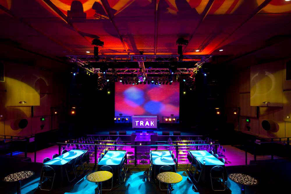 Trak Lounge Bar – Nightclubs