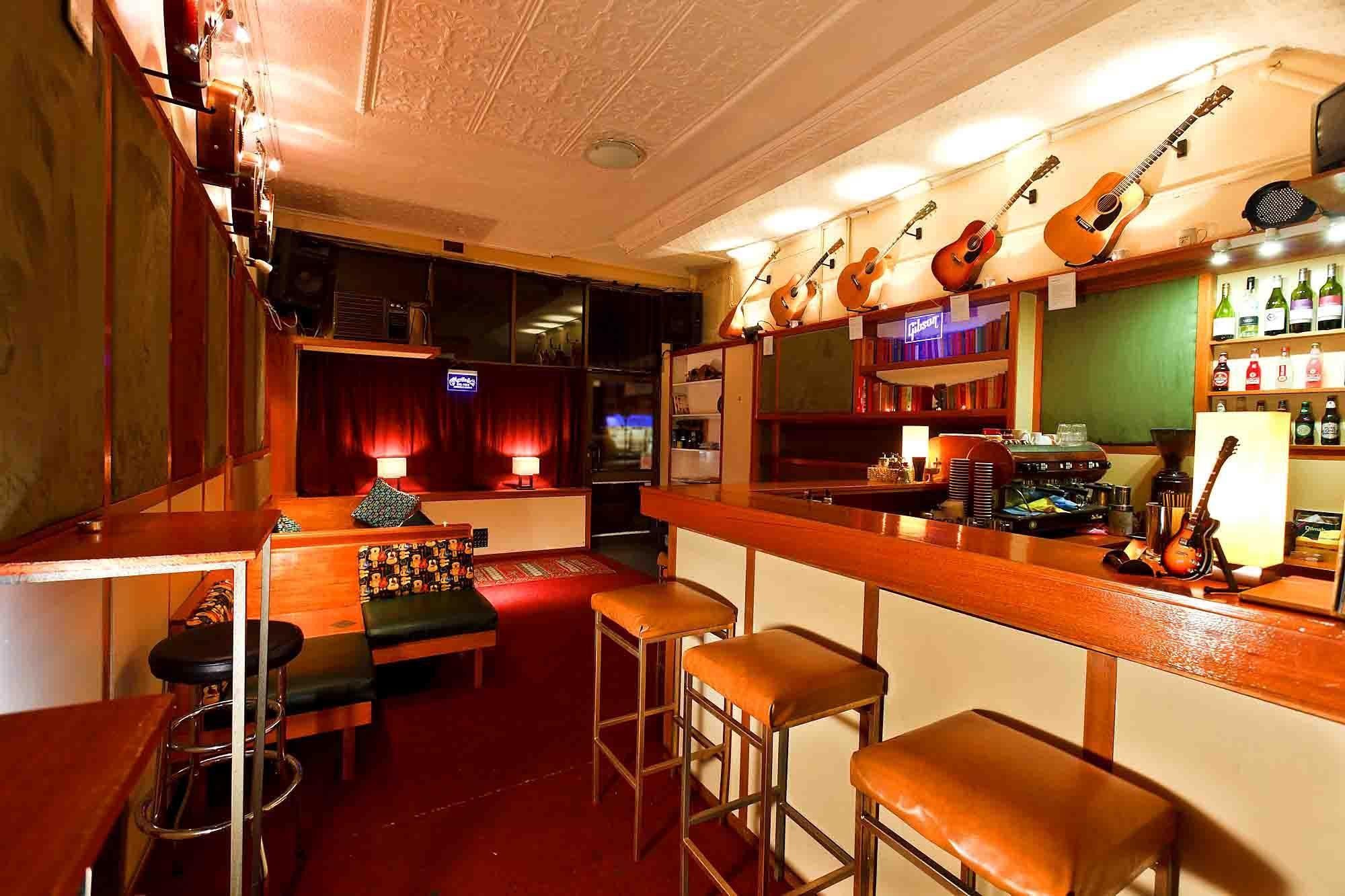 Acoustic Cafe – Bars You Need to Visit!