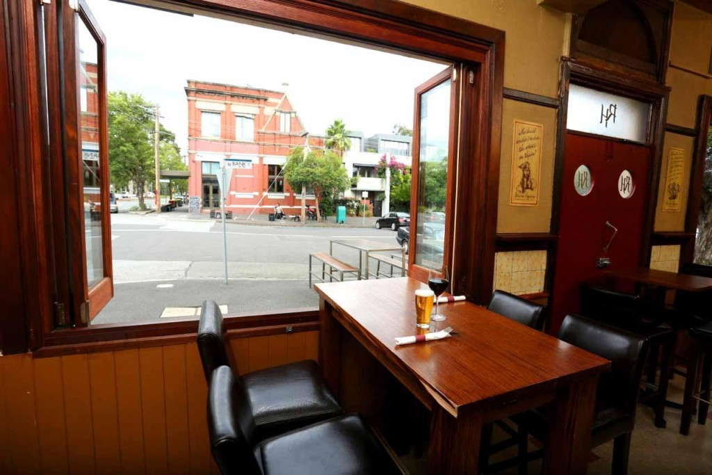 album4023_1398159147_Railway-Hotel-Bars-South-Melbourne-bar-Pub-Venues-top-best-good-004.jpg