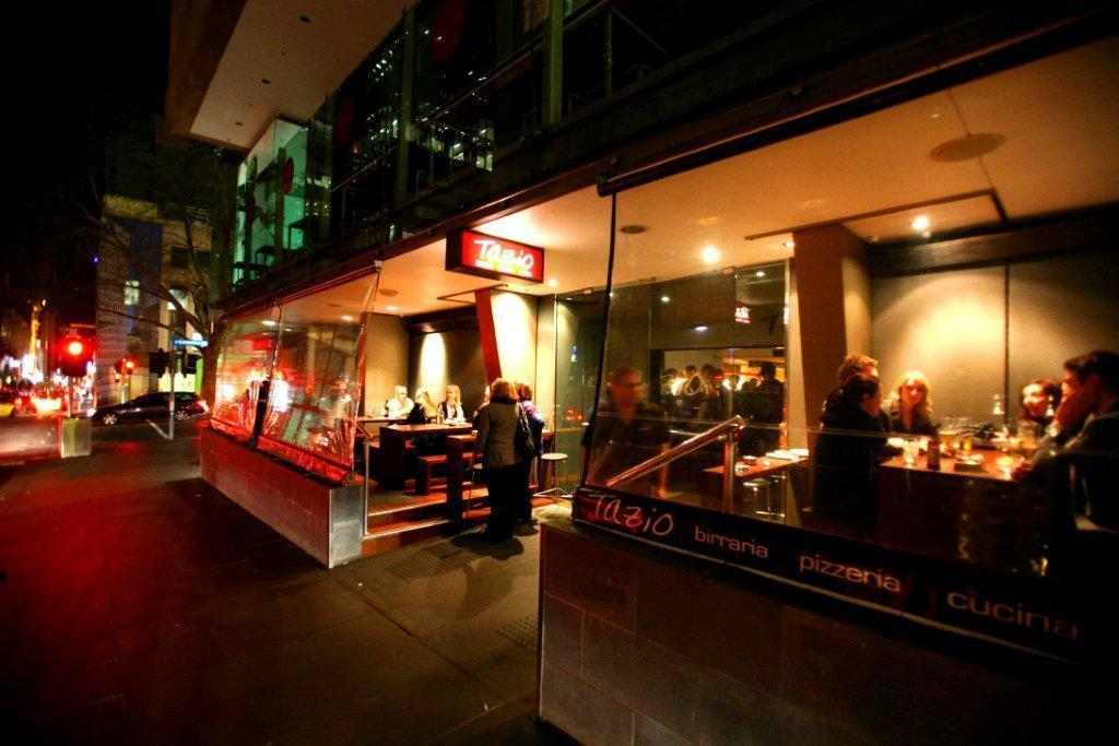 best bars melbourne rooftop laneway cocktail bars hcs