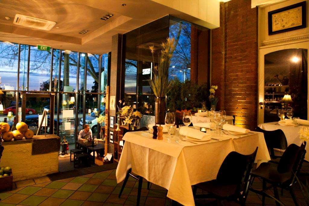 Fitzrovia st kilda restaurants hidden city secrets for Beautiful private dining rooms melbourne
