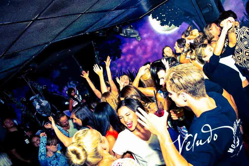 Veludo <br/> Live Music Venue