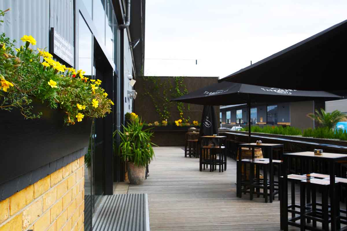 Woolshed Pub – Waterfront Bars Melbourne