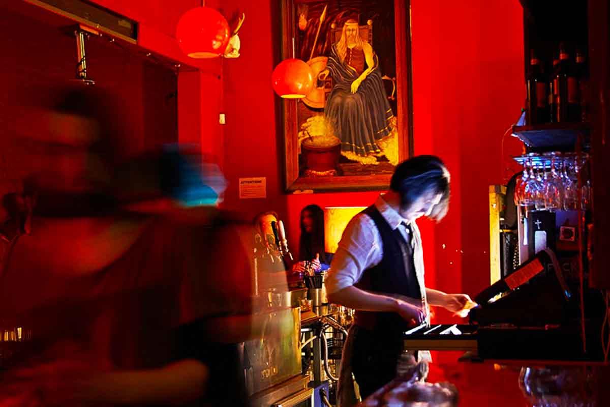 Yah Yah's – Live Music Bars