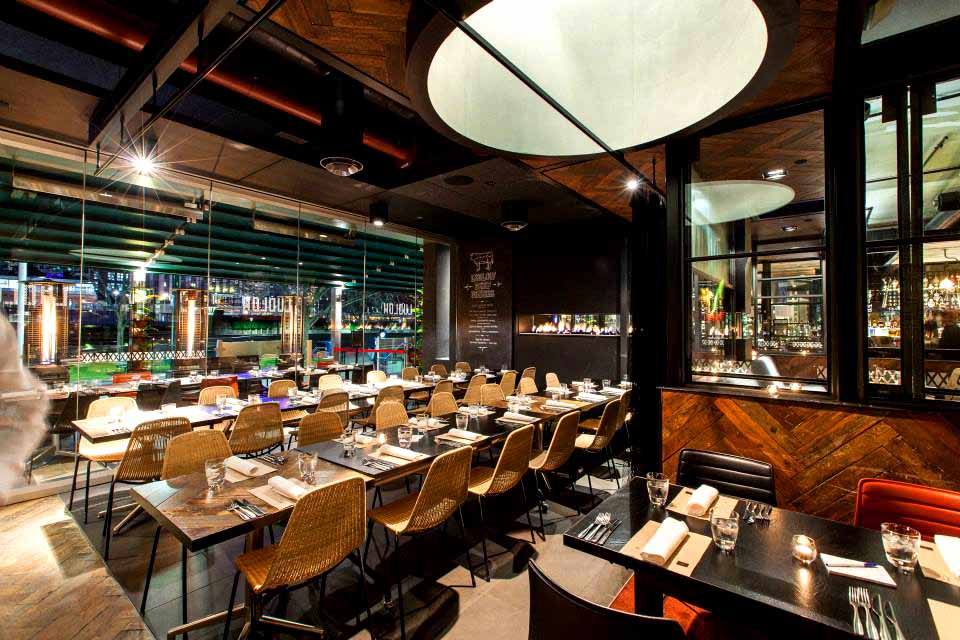 Best restaurants melbourne italian seafood for Best private dining rooms in melbourne