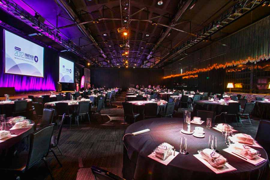 Peninsula huge function rooms hidden city secrets for Best private dining rooms sydney 2016
