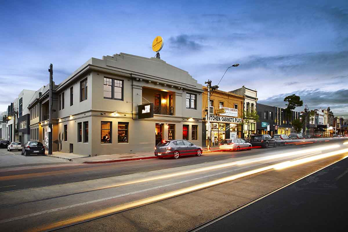 best dating restaurant melbourne Looking for a romantic restaurant for a first date or special occasion in melbourne  we've got you covered these are our favourite places for.