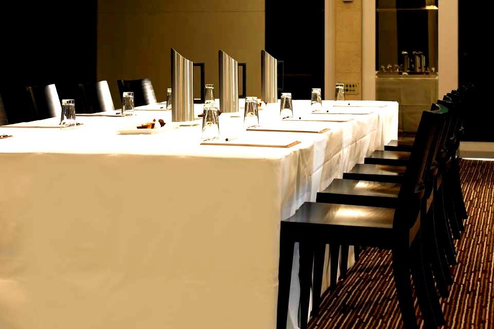 Royce Hotel – Elegant Conference Venue