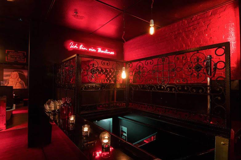 berlin bar cbd laneway bars hidden city secrets. Black Bedroom Furniture Sets. Home Design Ideas