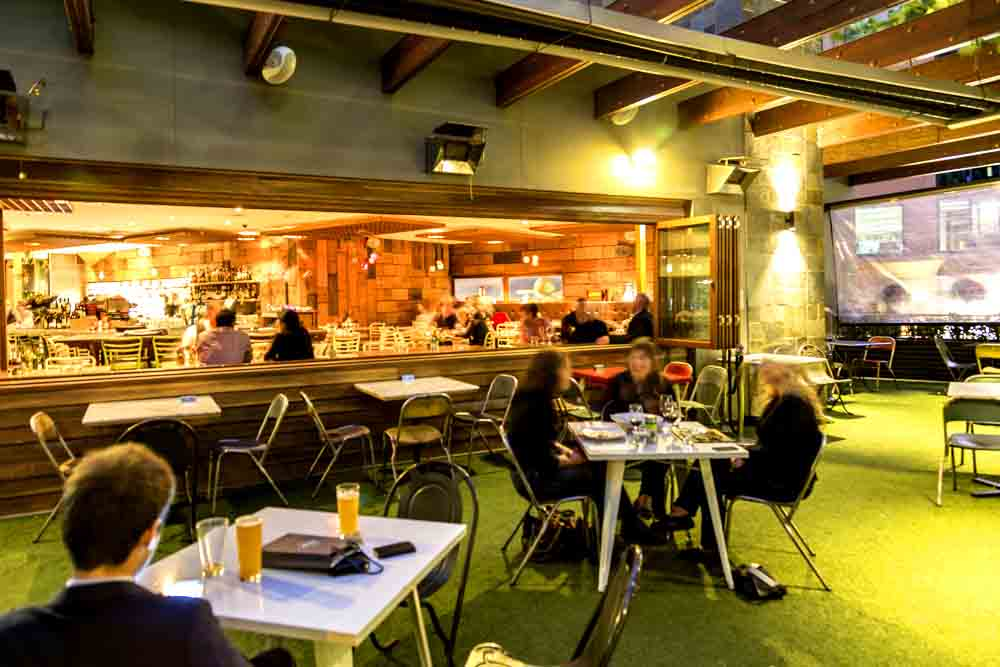 Henry and the fox cbd restaurants hidden city secrets for Dining room 211 melbourne