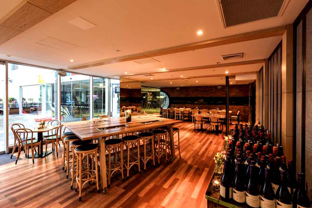 Henry and the fox cbd restaurants hidden city secrets for Best private dining rooms brisbane