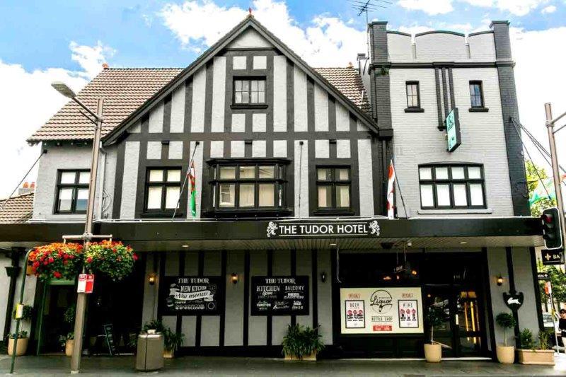 Tudor Hotel – Cool Bars