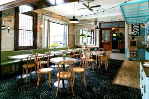 album5099_40065_tudor-hotel-bar-redfern-bars-sydney-best-top-good-popular-cocktail-wine-pubs-pub-outdoor-004.jpg