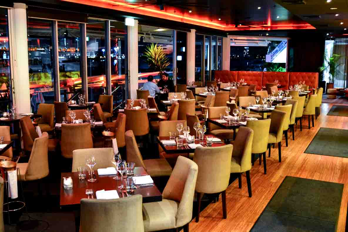 Glass Dining & Lounge – Waterfront Venue