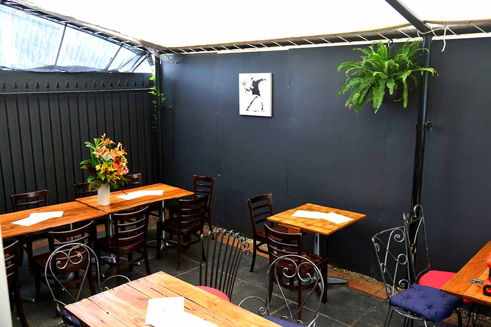 Escobar Bar & Kitchen – Great Local Bars