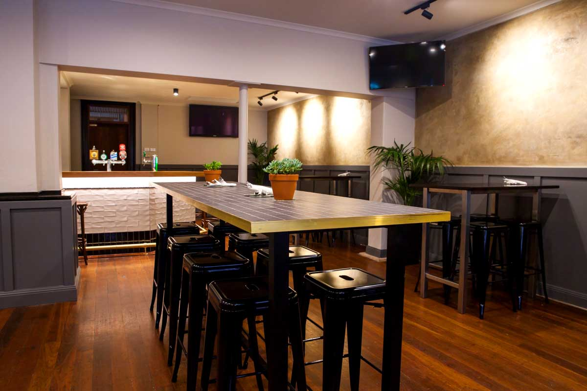 Seven Stars Hotel <br/> Best Pubs & Restaurants