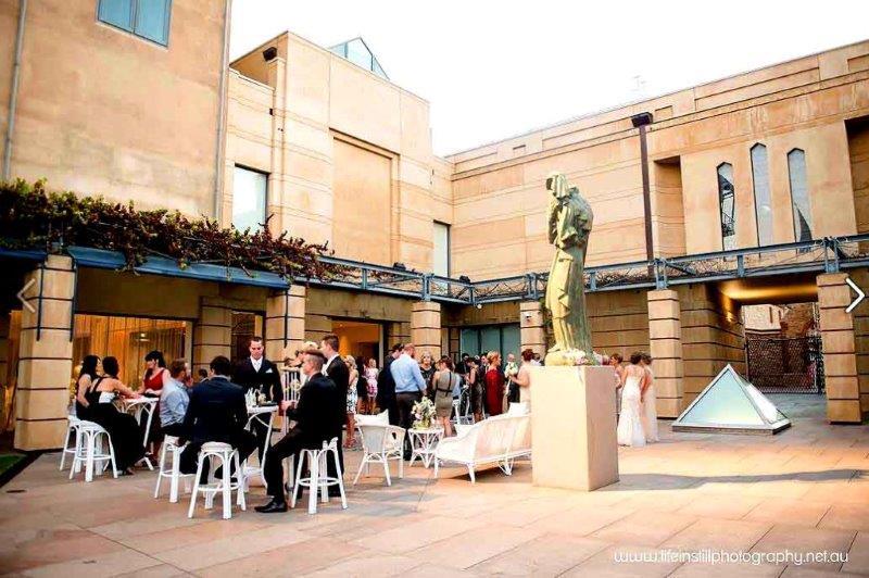 Art Gallery Food + Wine <br/> Best Restaurants