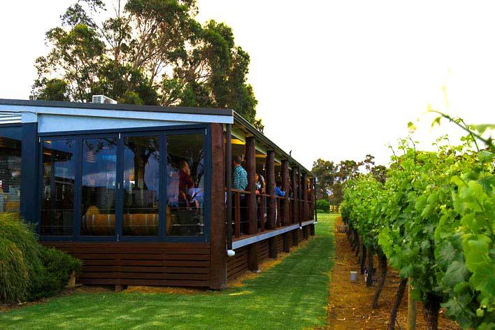 Knee Deep Winery & Restaurant