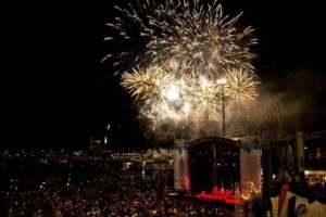 Australia-Day-2017-Docklands-Fireworks-Whats-On-Must-To-Do-Melbourne-Events