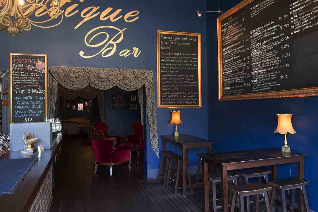 Antique Bar – Cool Hidden Bars