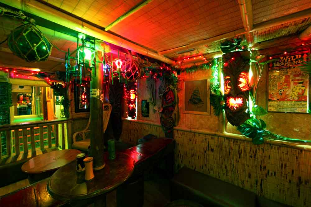 Hula Bula Bar – Awesome Tiki Bar