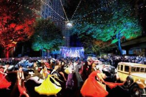 white-night-melbourne-to-do-whats-on-cbd-events-swing-city-collins-street-05