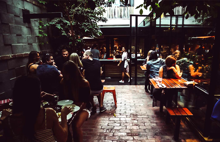 SAXON-melbourne-bars-bar-best-top-to-do-footy-game-sport-match-drink-drinks-food-dining-entertainment