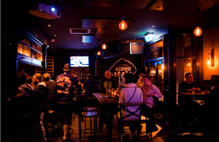 alehouse-irish-st-patricks-day-melbourne-pub-festival-to-do-best-beer-guinness-outdoor-pubs-party-celebration-live-music-events-1