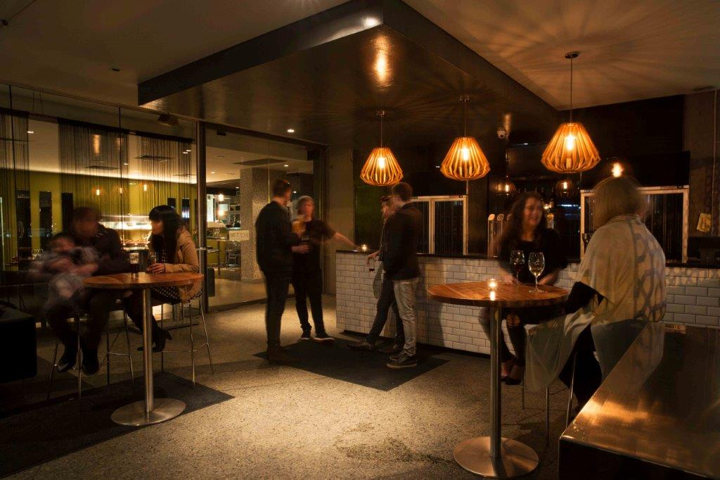 Metro Bar & Bistro – Top Rooftop Bars
