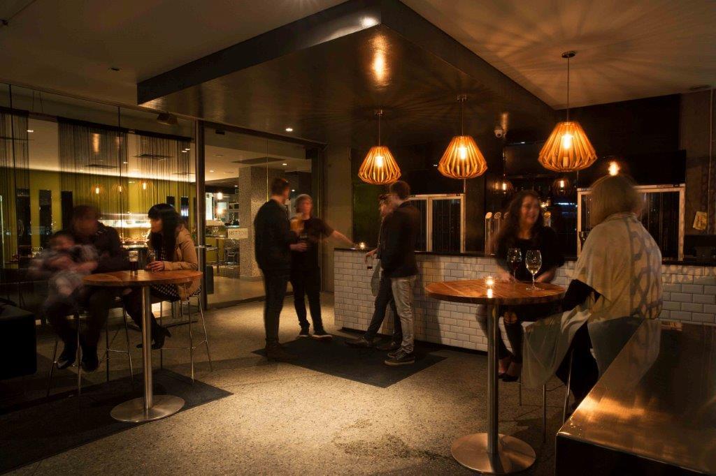 Metro Bar & Bistro <br/> Best Restaurants