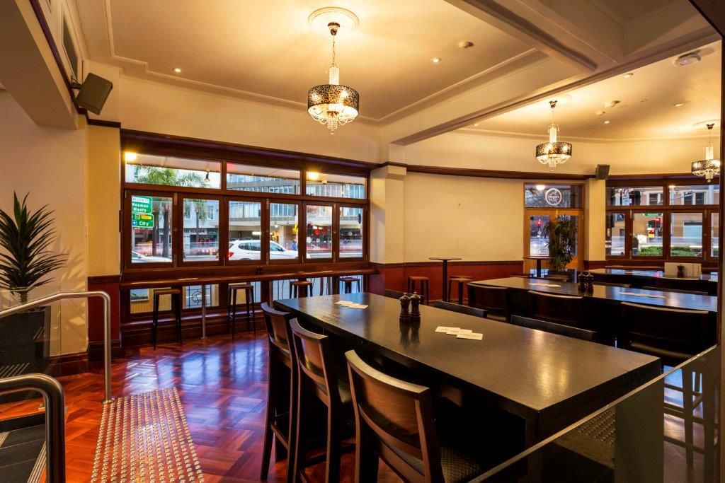 Crows Nest Hotel – Best Outdoor Bars