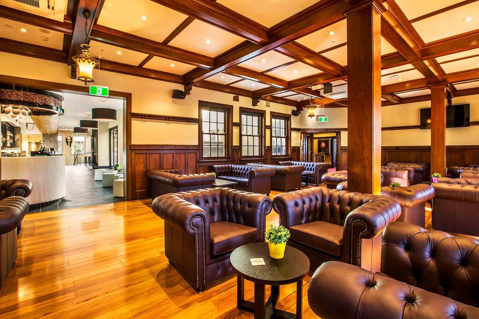Crows Nest Hotel <br/> Best Outdoor Bars