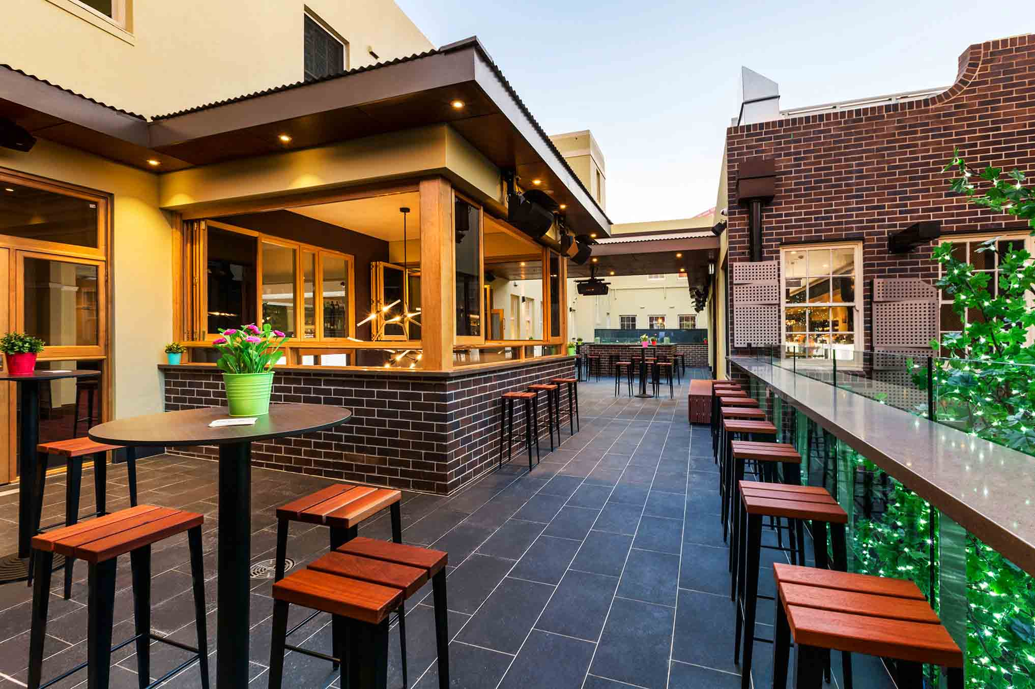 Crows nest hotel best outdoor bars hidden city secrets for Terrace bar menu
