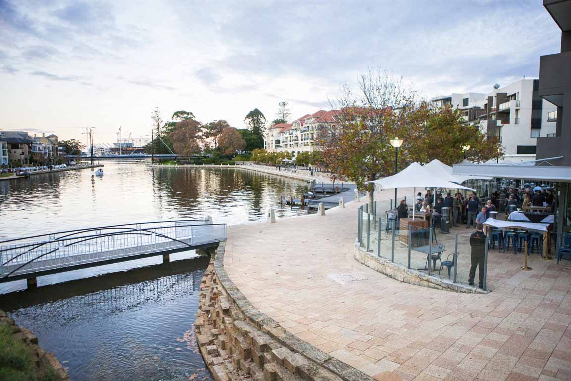 The Royal on the Waterfront – Outdoor Dining
