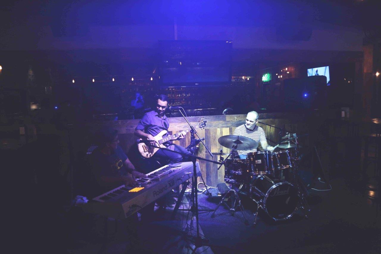 Embassy Craft Beer Bar – Live Music Bars
