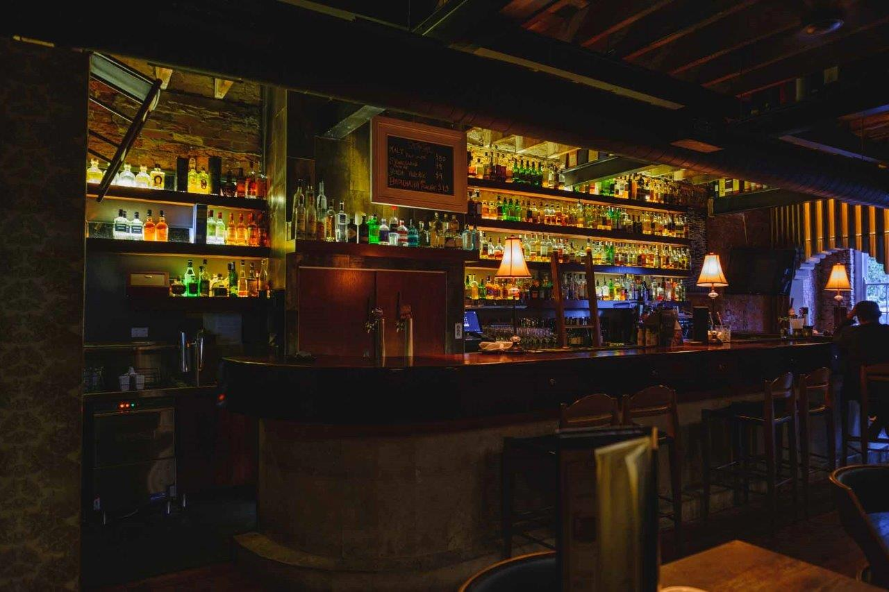 Malt Dining – Cocktail & Whiskey Bars