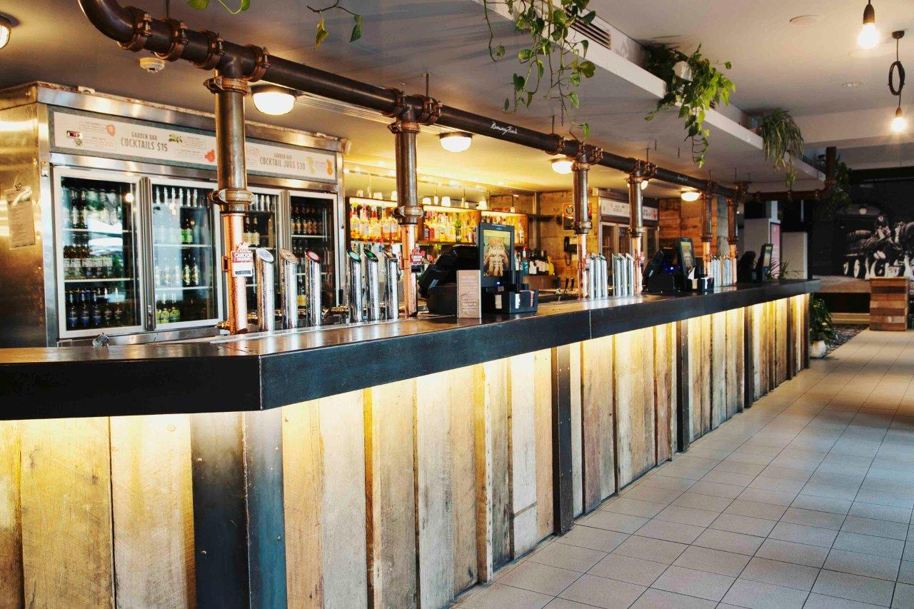 Coogee Bay Hotel <br/> Best Outdoor Bars