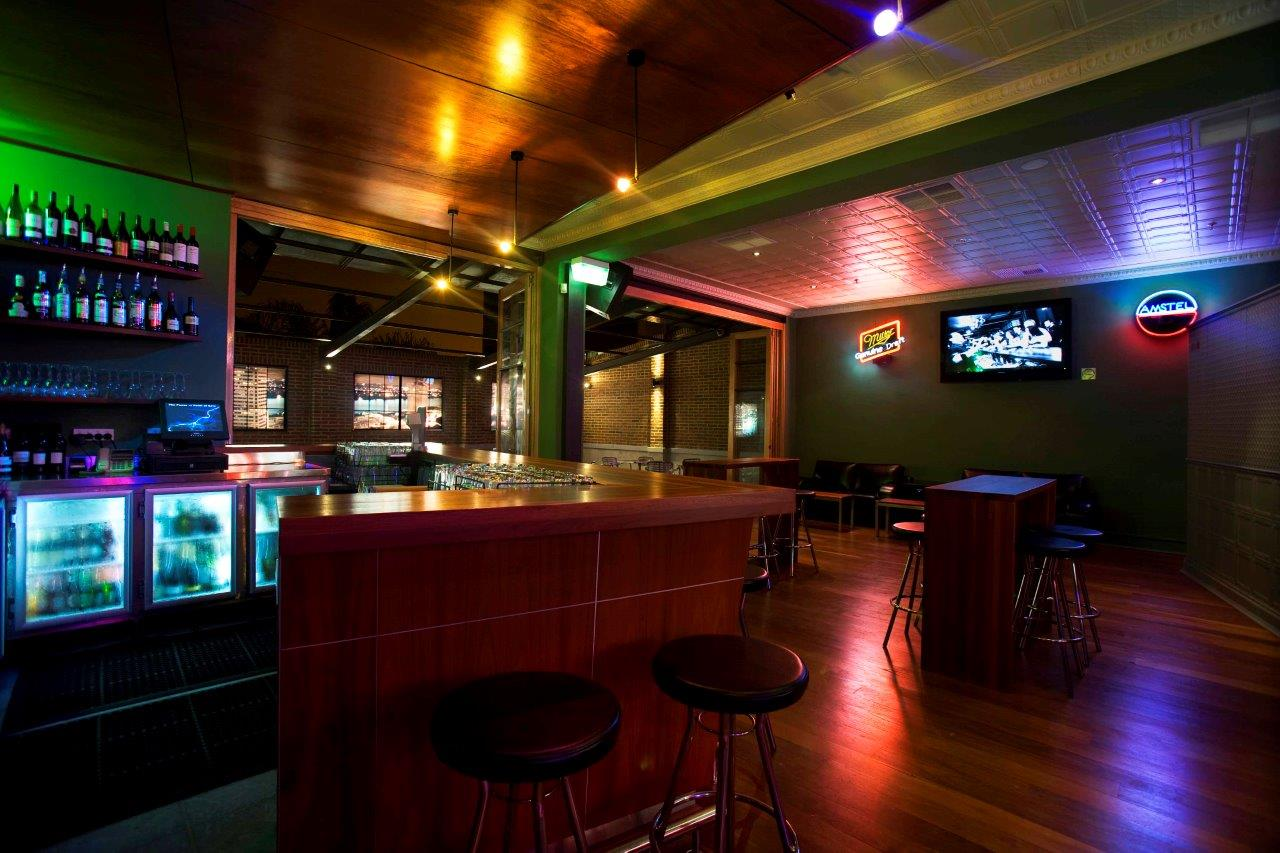 Universal Bar <br/> Live Music Function Rooms
