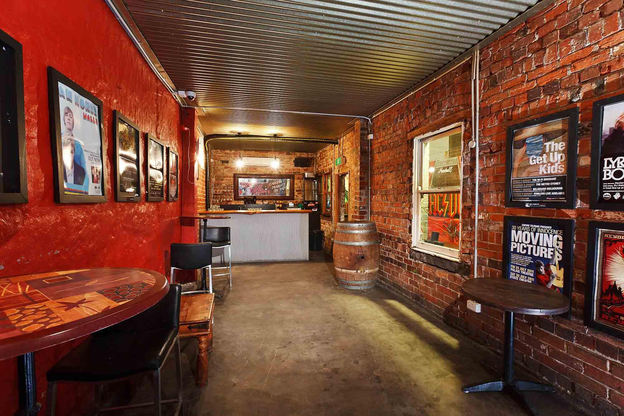 Bar 9t4 <br/> Cool Richmond Bars
