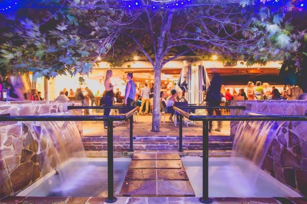The-Windsor-Hotel-Bars-South-Perth-Bar-Pub-Pubs-Outdoor-Beer-Garden-Top-Best-Good-Cocktail-melbourne-cup-weekend-long-fun-drinks-food-fun