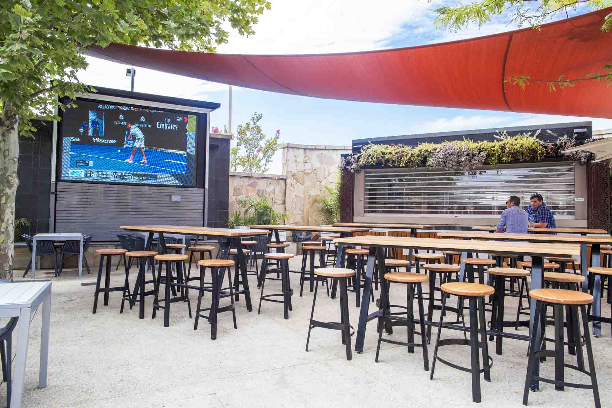 The Gate Bar & Bistro – Sports Bars