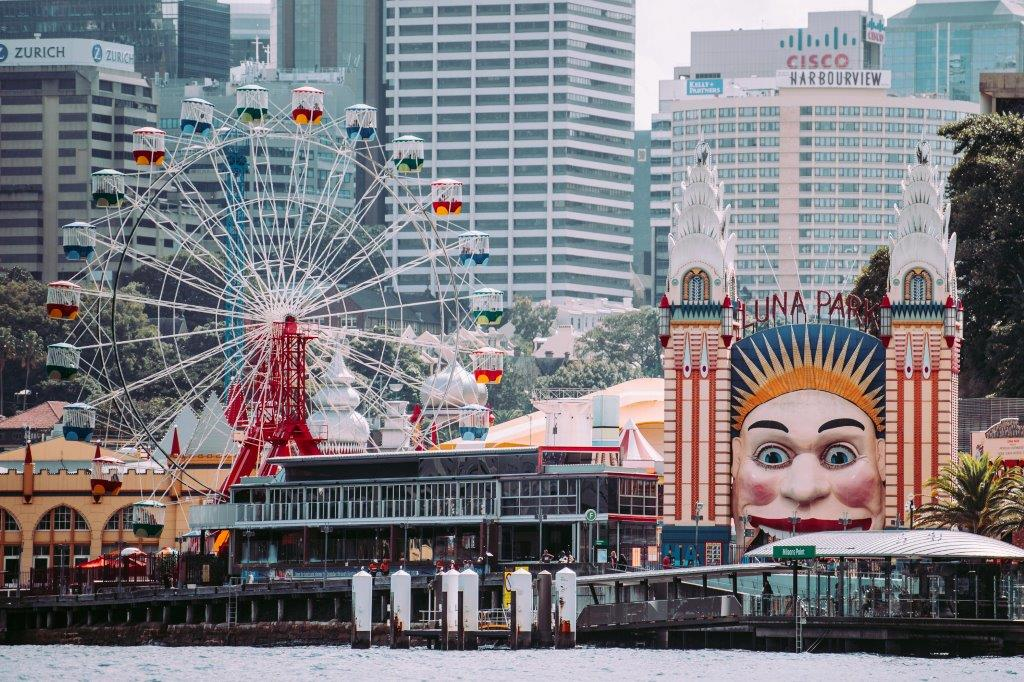 Whats-on-melbourne-st-kilda-twilight-market-markets-weekend-to-do-shopping-night-date-family-luna-park-beach