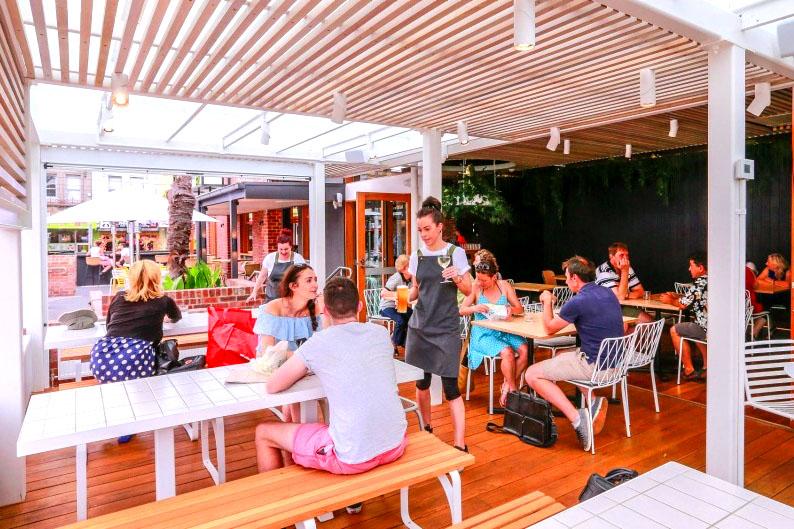 Bang Bang – Indoor/Outdoor Dining