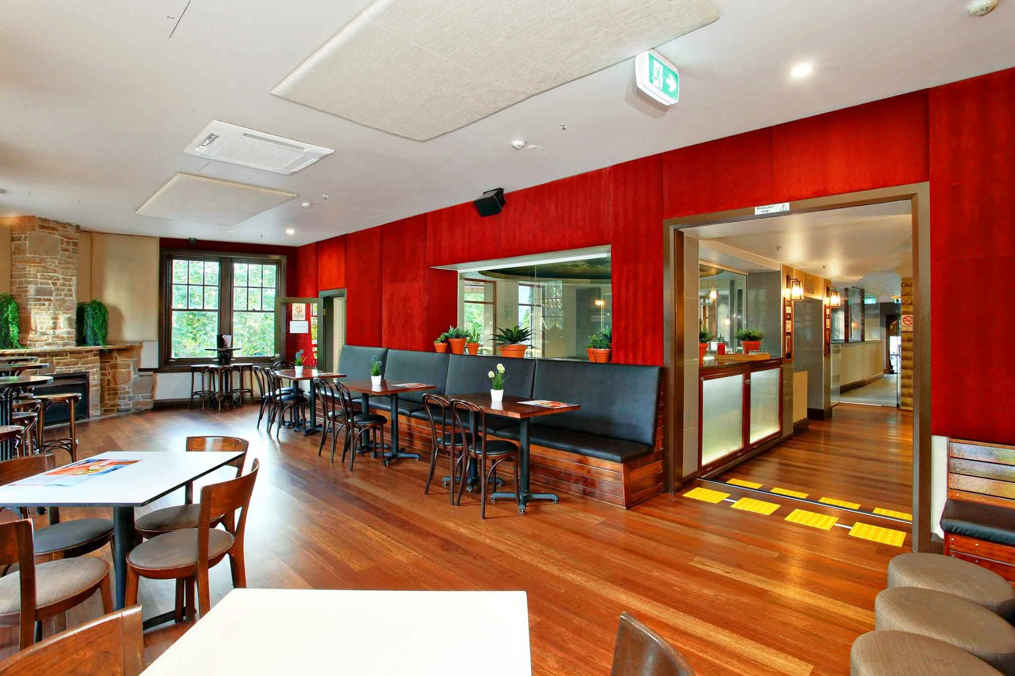 Madison Hotel – Outdoor Pubs