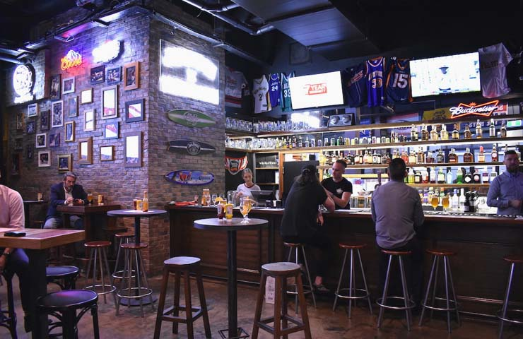 Fat Angel Sports Bar – Best Sports Bars