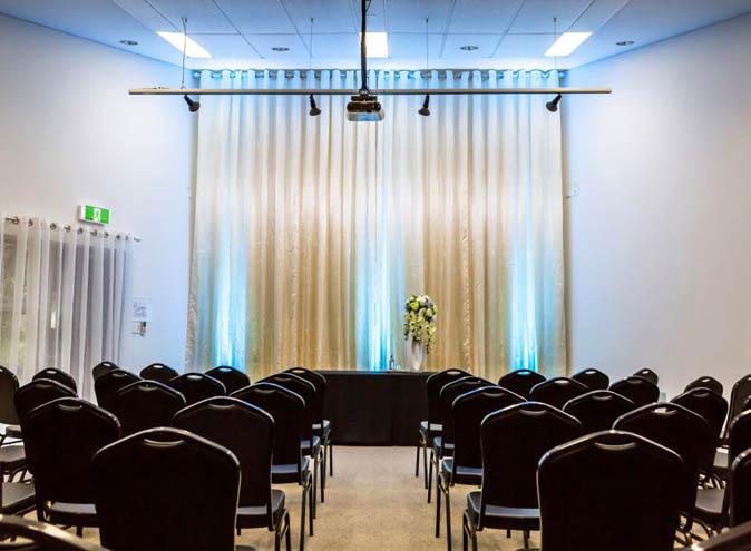 Foothills-function-venues-Melbourne-rooms-mooroolbark-venue-hire-party-room-birthday-seminar-conference-wedding-engagement-outdoor-suburban-013