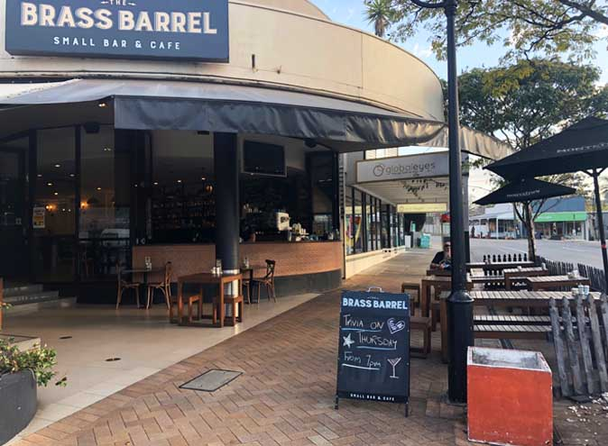 The-Brass-Barrel-bar-paddington-brisbane-bars-hidden-laneway-pub-pubs-sports-family-kids-fun-small-intimate-late-night-food-kitchen-010