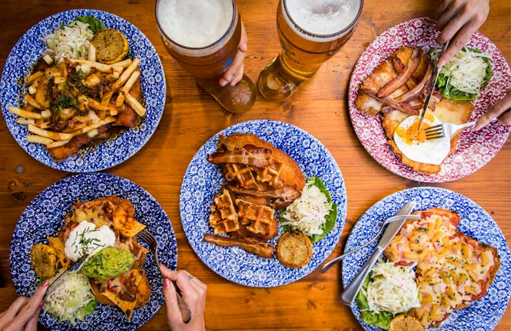beers-hot-dogs-food-highpoint-venue-foodies-chicken-wings-oktober-festival-bavarian-german-free-specials-deals-entertainment-dinner-lunch-bar-cocktails-exclusive-schnitzel-eat-happy-hour