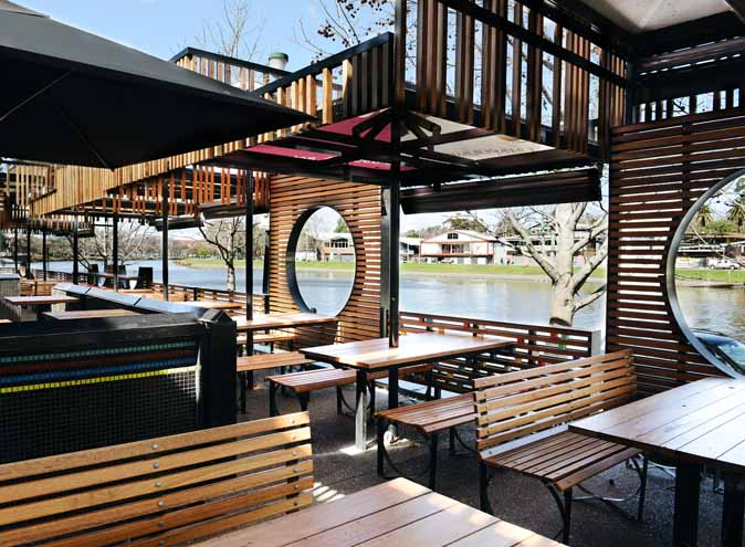 Pilgrim restaurant melbourne cbd city federation group after work waterside outdoor outside garden waterfront view australian steak burger riverside 003