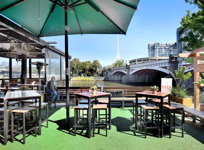 Riverland Bar – Waterfront Dining